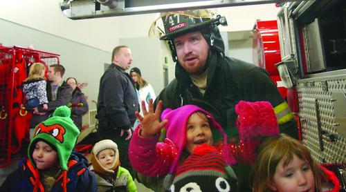 Arthouse Preschool visits Fire Station