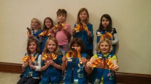 Daisy Girl Scout Troop 2768 Made Centerpieces For DANN Thanksgiving Dinner