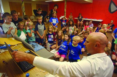 Dr. Wes Arnett debuts Heroes at library