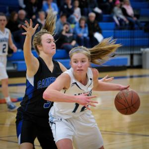 Lakeside Lutheran High School Girls Basketball vs Cambridge