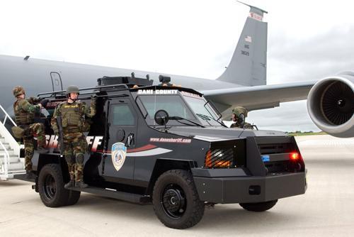 Grant results in police 'militarization' debate at Dane County Board meeting