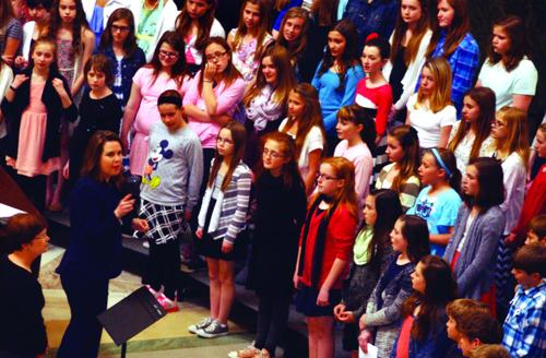Sixth grade choir sings at Capitol