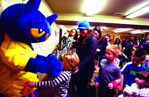 Pete the Cat welcomes reading
