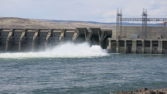 Explosion at Priest Rapids Dam injures six PUD employees