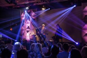 iHeartMedia's Jim Kerr hosts HeartRadio ICONS event featuring James Taylor