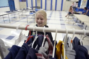 El Centro school's used uniform sale draws families - Imperial ...