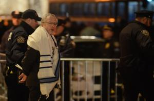 19 rabbis arrested during protest at Trump hotel