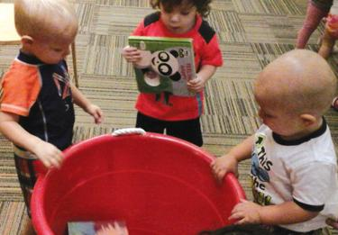 <p>Toddlers donate books to the Valley of the Sun Jewish Community Center Early Childhood Center in memory of Mickey Lit, who taught preschool there for many years. </p>
