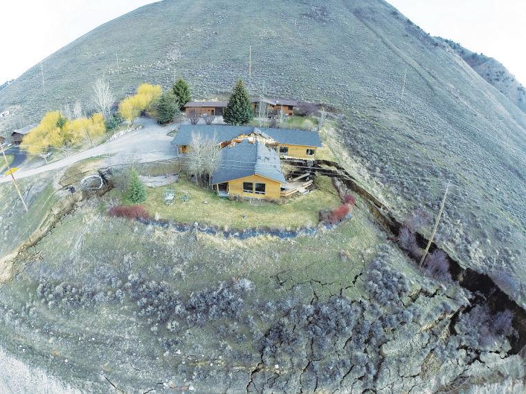 Yellowstone despertando: Cidade evacuada em Wyoming, crosta terrestre em elevação, solo está sendo devorado