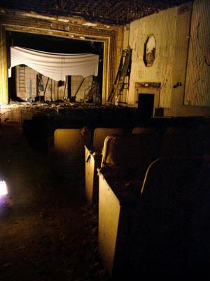 REEVES THEATER 002