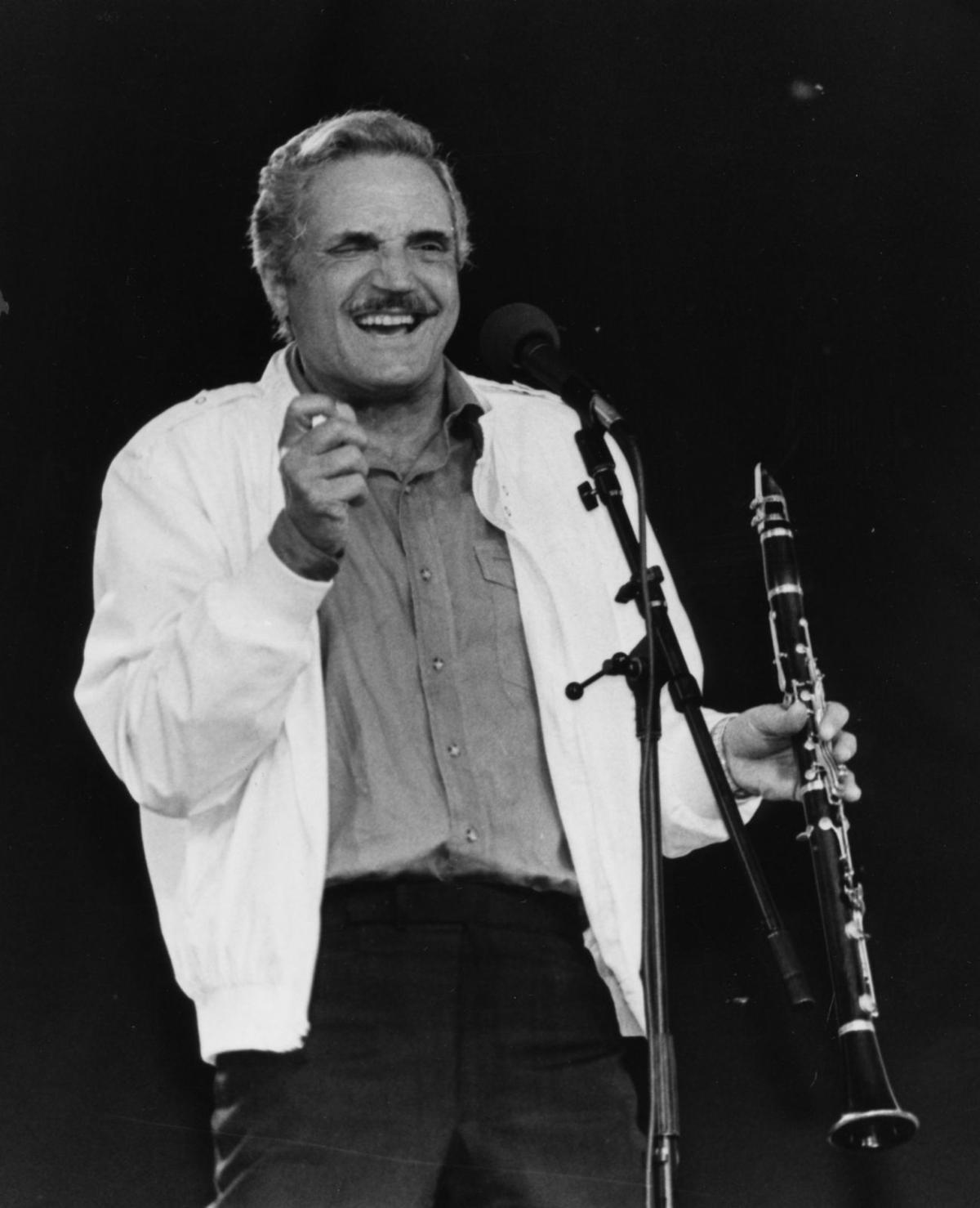 Singer and actor Hal Linden plays the clarinet and sings for the crowd ...