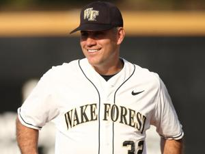 Wake Forest baseball coach gives a kidney to player