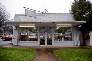Andrews Pharmacy to move and merge with Lexington location