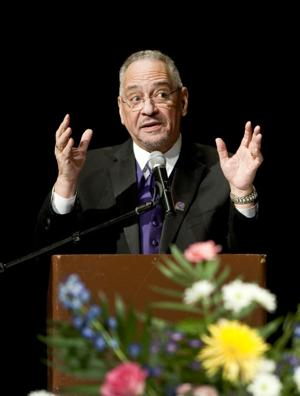 Jeremiah Wright, the obama's former minister, speaks at Chronicle event