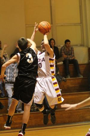 LometaEvantBOYSBasketball61.jpg