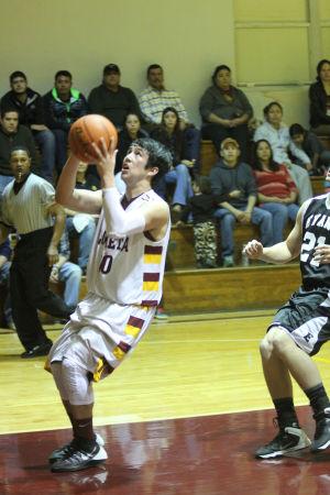 LometaEvantBOYSBasketball30.jpg