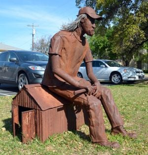Artist showcases work in Salado