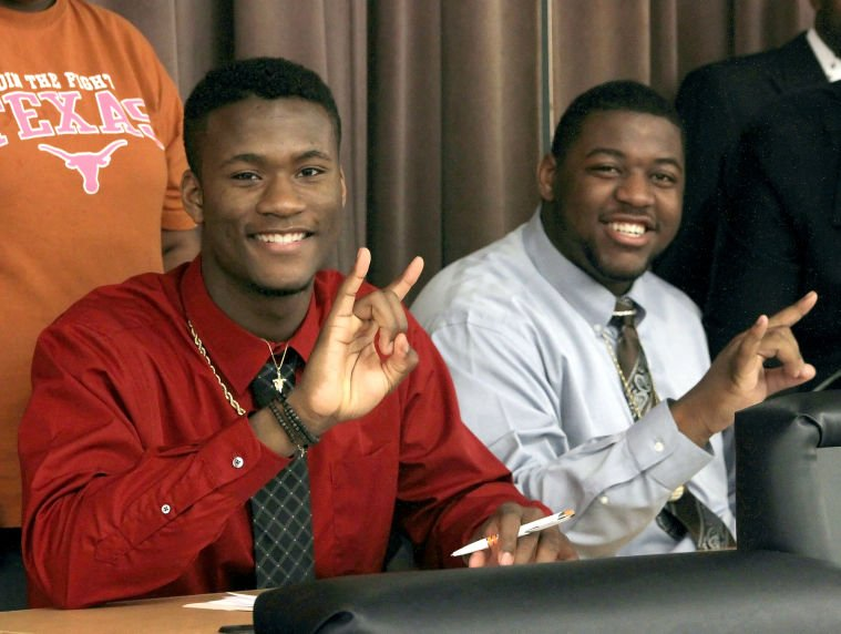 Heights duo sign with UT