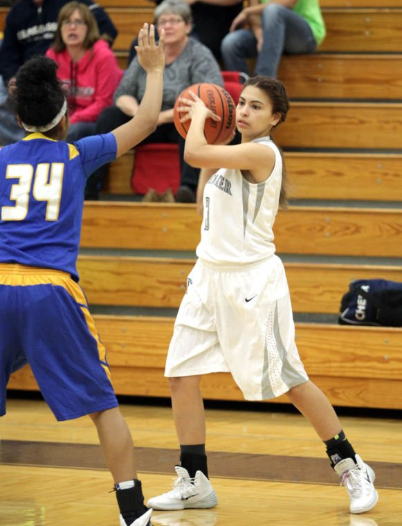Basketball Girls Shoemaker  V Copperas Cove008.JPG