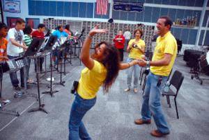 Ice broken with Portuguese, steel drums