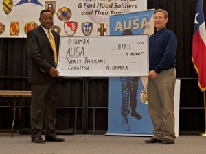 Commander praises AUSA chapter