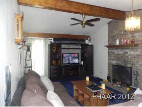 841 sq ft cozy 2 bedroom 1.5 bath 1 car