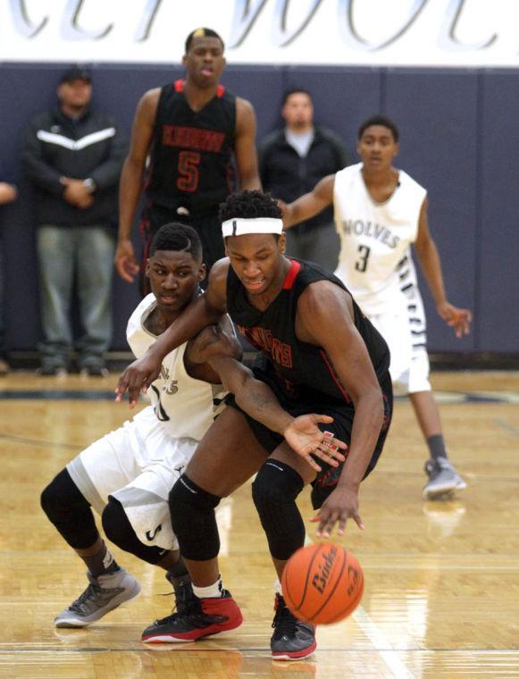 Basketball Boys Shoemaker  V Harker Heights044.JPG