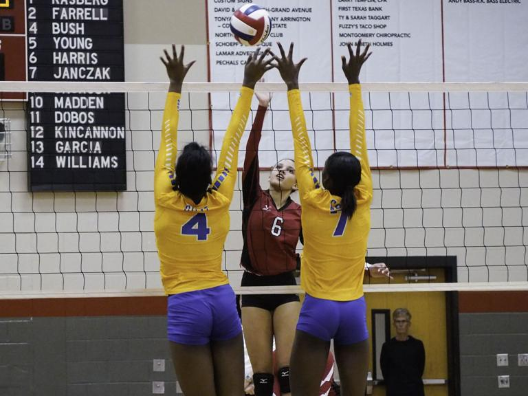 Lady Dawgs defeat Belton in volleyball thriller