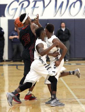 Basketball Boys Shoemaker  V Harker Heights045.JPG