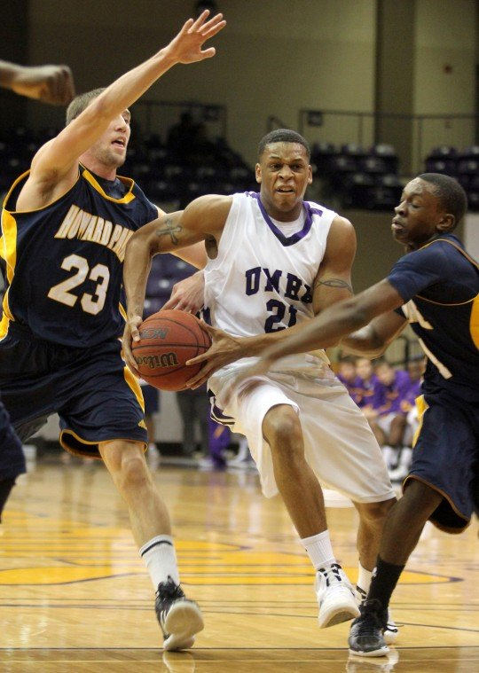 Year in Photos - UMHB Basketball