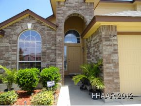 This 1961 sqft home is well maintained and offers an