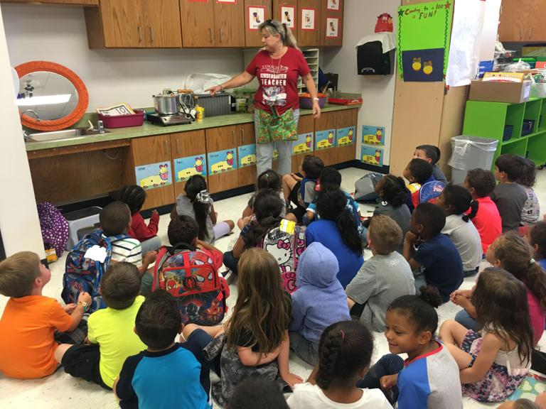 House Creek kindergartners use popcorn to meet TEKS requirements