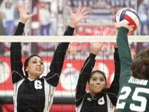Lady Eagles beat Heights in key 12-5A match