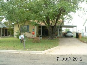 Great investment property or first time home buyer. Close to