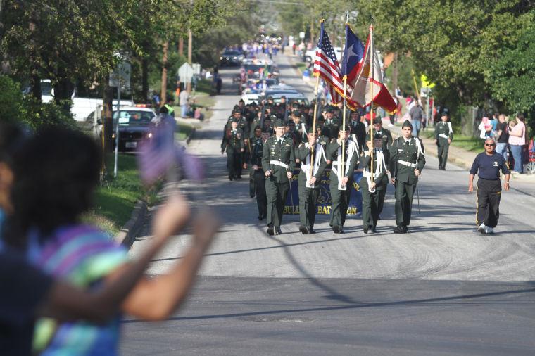 Cove Veterans Day Parade 1.jpg