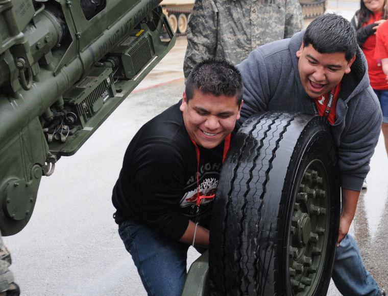 Lifting the tire