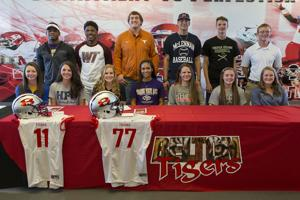 SIGNING DAY MM 03