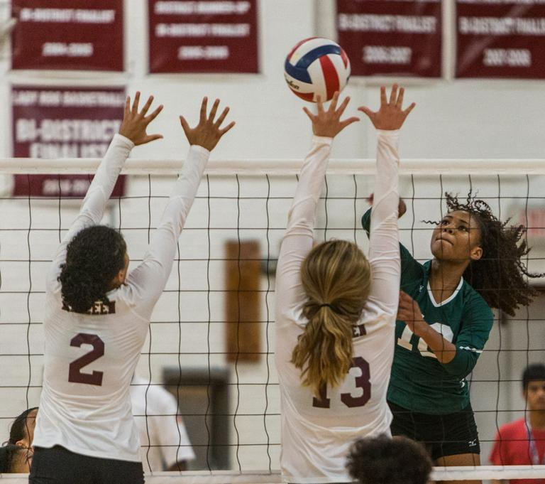 8-6A VOLLEYBALL: Ellison gets help from all over the court in 3-1 win over Killeen