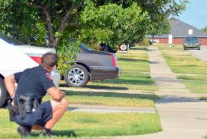 Killeen elementary school ends lockdown; man in car detained