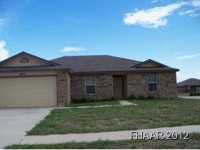All brick home located in South Killeen. Features are: laminte