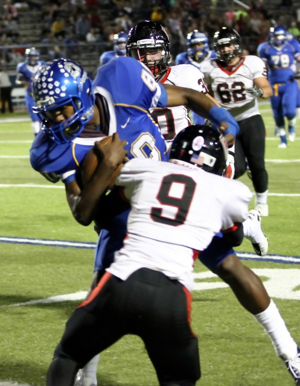 Cove Battles Heights in 8-5A Showdown