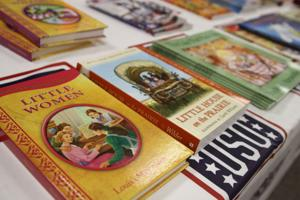 USO United Through Reading