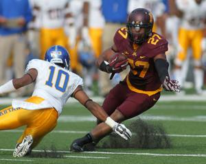 <p>Minnesota running back David Cobb (27) cuts against San Jose State cornerback Maurice McKnight (10) in the first quarter Saturday in Minneapolis. </p>