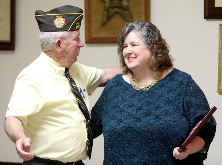 VFW, Auxiliary honor patriotic teachers, students