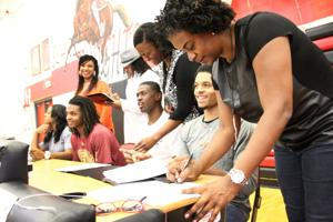 Heights Bball Signings 8.jpg