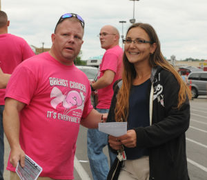 Fort Hood Soldiers help battle breast cancer