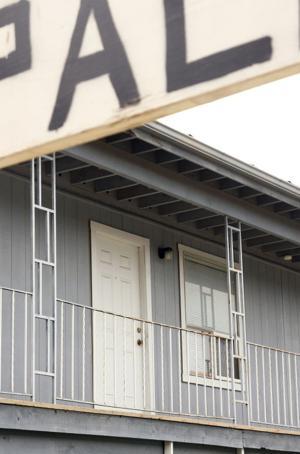 FBI Agent: Hasan apartment 'nearly empty'