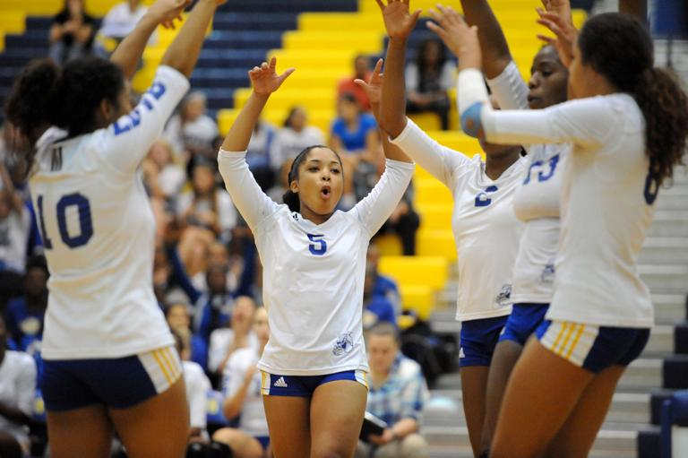 VOLLEYBALL: Lady Dawgs change approach, sweep Ellison after tough Game 1
