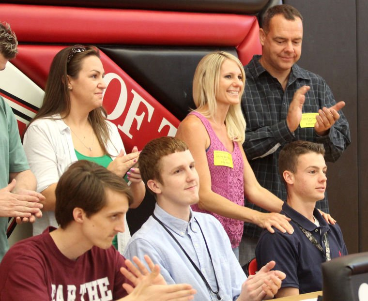 Harker Heights Athlete Signings