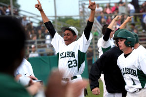 Ellison edges Shoemaker 7-5